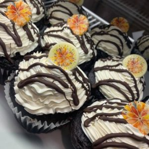 chocolate cucpakes with flower topper